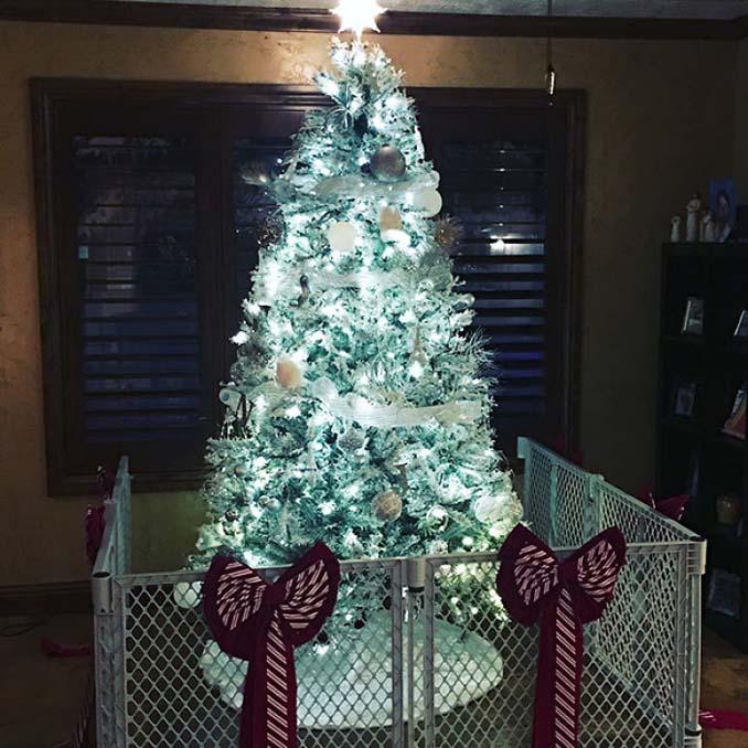Πως να σώσετε το χριστουγεννιάτικο δέντρο από τα κατοικίδια (18)