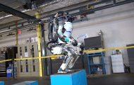 Το νέο βίντεο του ρομπότ Atlas εντυπωσιάζει και προκαλεί δέος