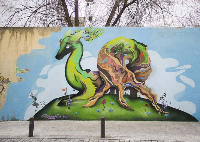 Η εντυπωσιακή Street Art του Dingo Perromudo προσφέρει μια πινελιά πρασίνου στο γκρίζο της πόλης (13)