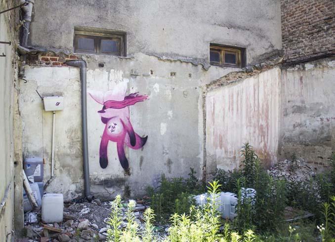 Η εντυπωσιακή Street Art του Dingo Perromudo προσφέρει μια πινελιά πρασίνου στο γκρίζο της πόλης (15)