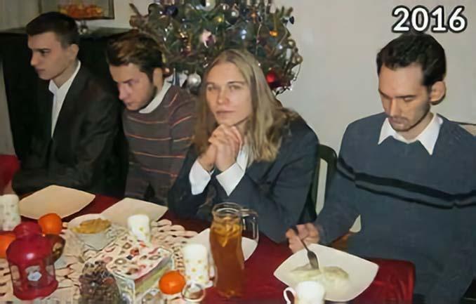 4 φίλοι βγάζουν την ίδια χριστουγεννιάτικη φωτογραφία κάθε χρόνο από το 2009 (7)