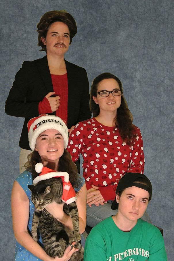 Άνθρωποι πόζαραν για ξεκαρδιστικές χριστουγεννιάτικες κάρτες (8)