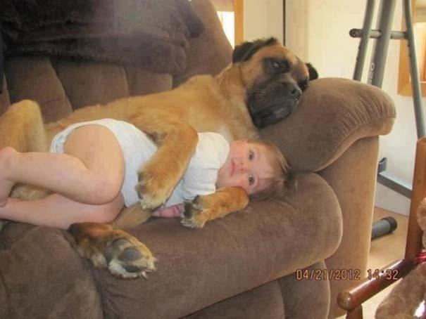 Ο ξεχωριστός δεσμός παιδιών και σκύλων μέσα από φωτογραφίες (7)