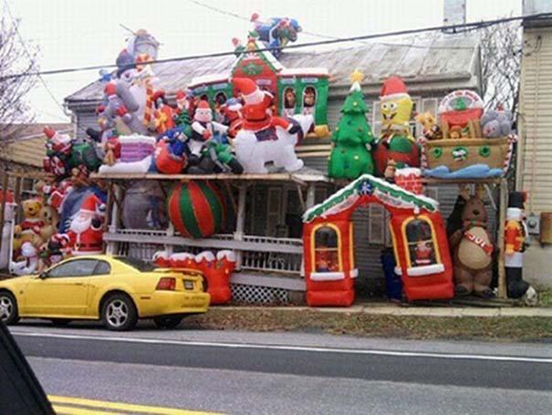 Κωμικοτραγικοί χριστουγεννιάτικοι στολισμοί (2)
