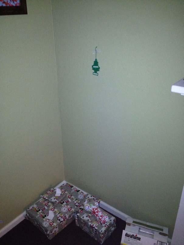Όταν βαριέσαι να στολίσεις για τα Χριστούγεννα αλλά έχεις μεγάλη φαντασία (2)