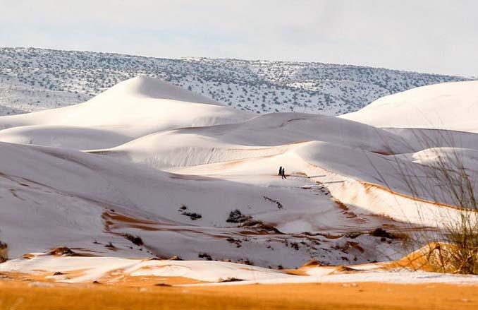 Απίστευτες φωτογραφίες από την έρημο Σαχάρα, όπου χιόνισε για τρίτη φορά τα τελευταία 40 χρόνια! (3)