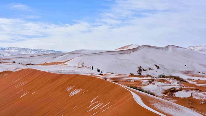Απίστευτες φωτογραφίες από την έρημο Σαχάρα, όπου χιόνισε για τρίτη φορά τα τελευταία 40 χρόνια! (6)