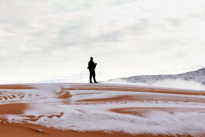 Απίστευτες φωτογραφίες από την έρημο Σαχάρα, όπου χιόνισε για τρίτη φορά τα τελευταία 40 χρόνια! (13)
