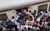 Η απίστευτη καθημερινότητα στα τρένα της Ινδίας