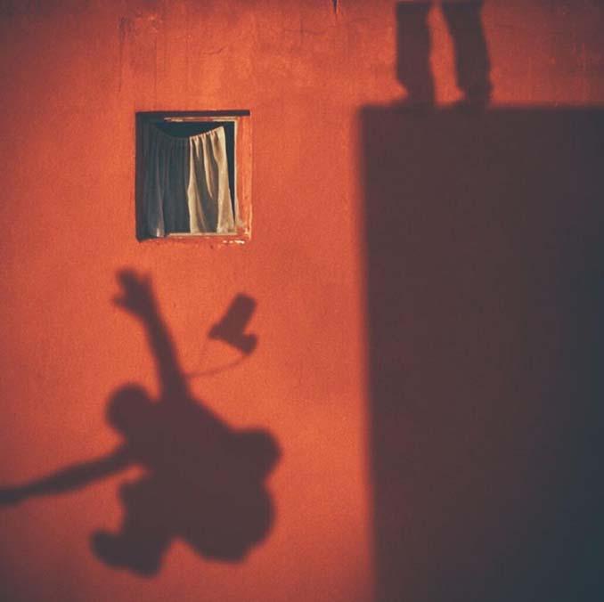 Φωτογραφίζοντας το ίδιο παράθυρο για 12 χρόνια μέχρι την κατεδάφιση του κτιρίου (2)