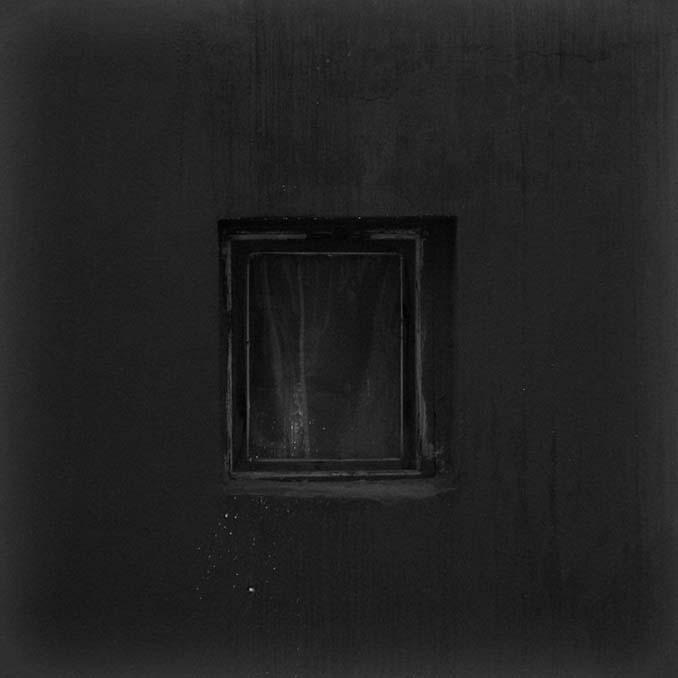 Φωτογραφίζοντας το ίδιο παράθυρο για 12 χρόνια μέχρι την κατεδάφιση του κτιρίου (9)