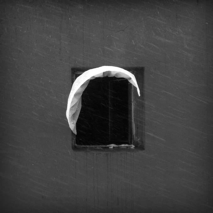 Φωτογραφίζοντας το ίδιο παράθυρο για 12 χρόνια μέχρι την κατεδάφιση του κτιρίου (13)