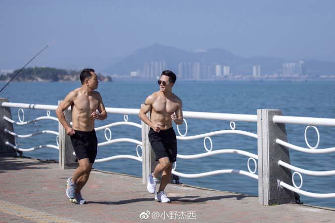 Κινεζική οικογένεια αποφάσισε να αδυνατίσει μαζί και το αποτέλεσμα μετά από 6 μήνες είναι εκπληκτικό (9)