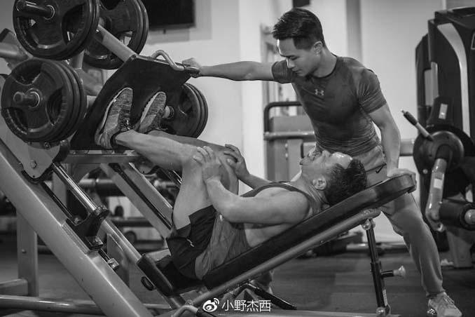 Κινεζική οικογένεια αποφάσισε να αδυνατίσει μαζί και το αποτέλεσμα μετά από 6 μήνες είναι εκπληκτικό (11)