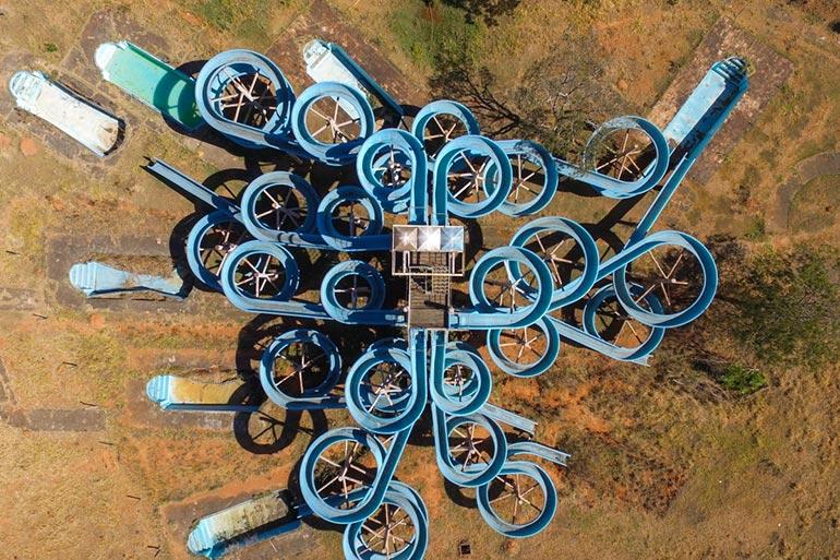 Ένα εγκαταλελειμμένο water park από ψηλά | Φωτογραφία της ημέρας