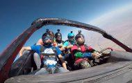Skydiving με ένα αυτοκίνητο