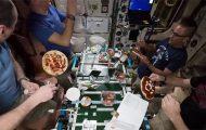 Βραδιά πίτσας στο Διεθνή Διαστημικό Σταθμό