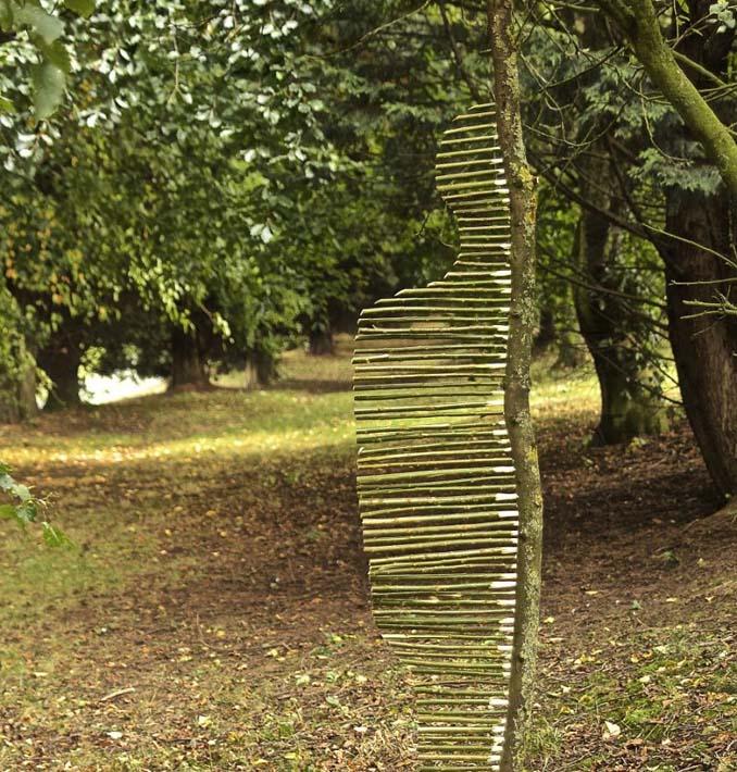 Καλλιτέχνης τακτοποιεί αντικείμενα της φύσης σε απίστευτους σχηματισμούς και το αποτέλεσμα θα σας μαγέψει (22)