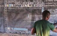 Καθηγητής στη Γκάνα διδάσκει Microsoft Word χωρίς Η/Υ (1)