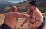 Super slow-motion video αποκαλύπτει τους κραδασμούς όταν συγκρούονται αθλητές σούμο 200+ κιλών