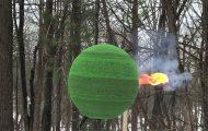 Δείτε πως καίγεται μια τεράστια σφαίρα από 42.000 σπίρτα που χρειάστηκε μήνες για να κατασκευαστεί