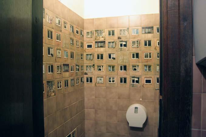 Εστιατόριο προσέλαβε διακοσμητές για να ανακαινίσουν το μπάνιο χωρίς να αλλάξουν τα πλακάκια... (3)