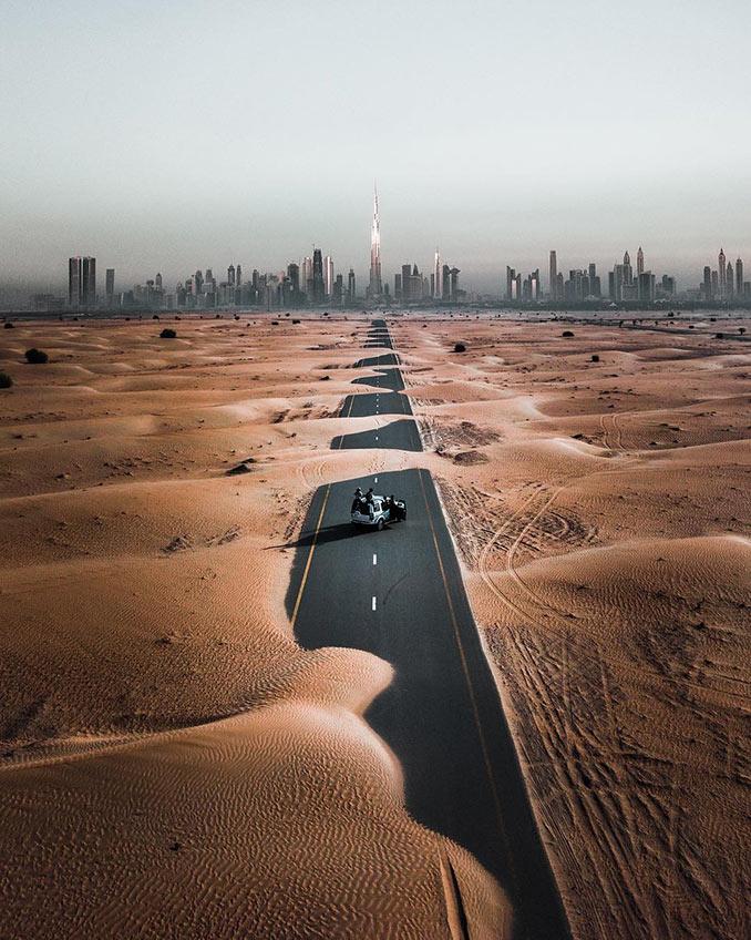 Λεωφόρος στην έρημο του Dubai | Φωτογραφία της ημέρας