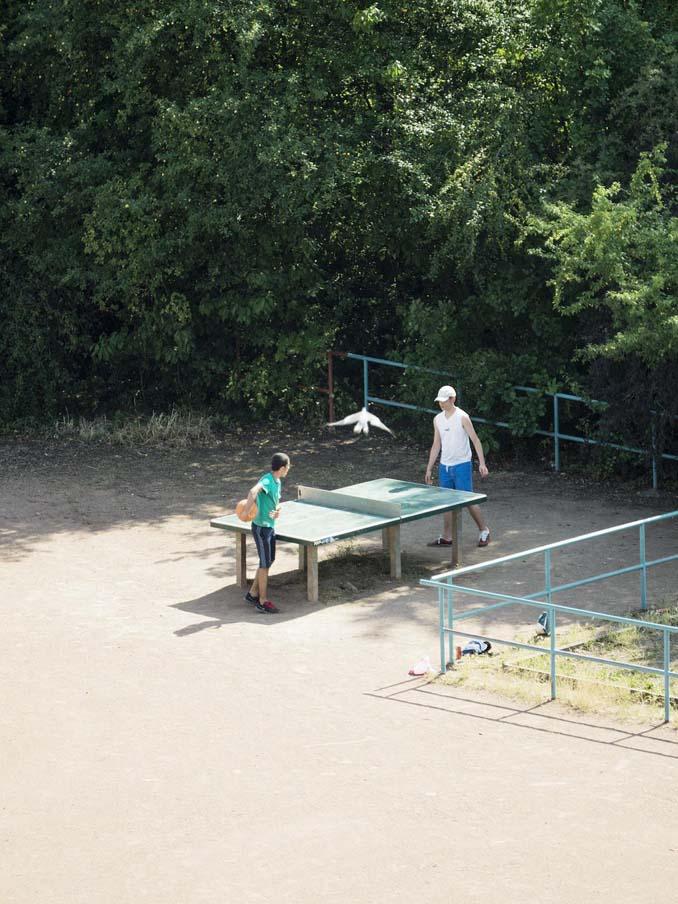 Έργα και ημέρες ενός υπαίθριου τραπεζιού ping pong (2)