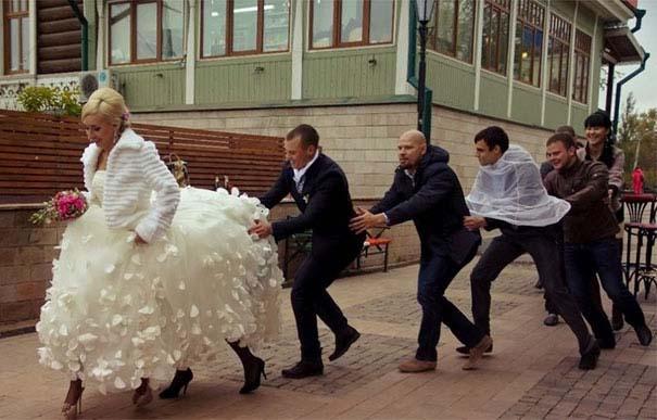 Ξεκαρδιστικές γαμήλιες φωτογραφίες από τη Ρωσία (14)