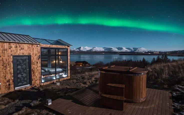 Ονειρική γυάλινη καλύβα στην Ισλανδία για να θαυμάζεις το Βόρειο Σέλας από το κρεβάτι σου (1)