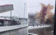 Ο συγκεκριμένος οδηγός φορτηγού μάλλον ήθελε να απολυθεί...