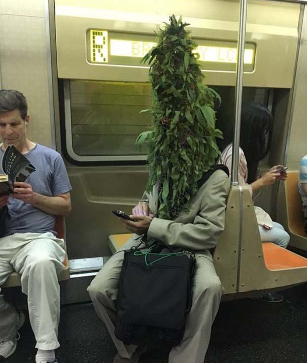 Παράξενες και κωμικοτραγικές φωτογραφίες στα μέσα μεταφοράς #36 (7)