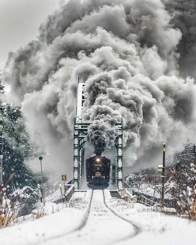 Πολικό express σε μια επική εικόνα | Φωτογραφία της ημέρας