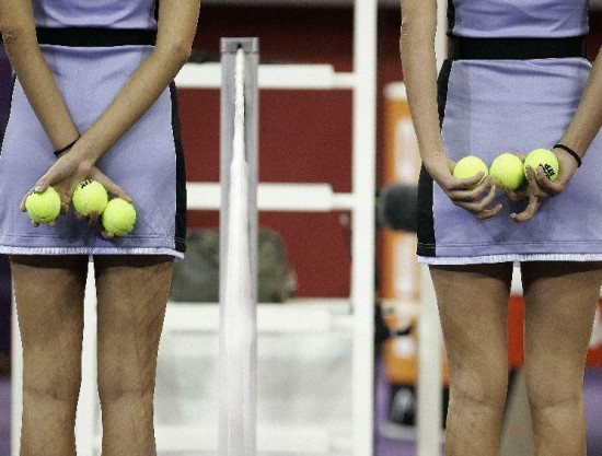 Κορίτσια για τα μπαλάκια του Tennis (4)