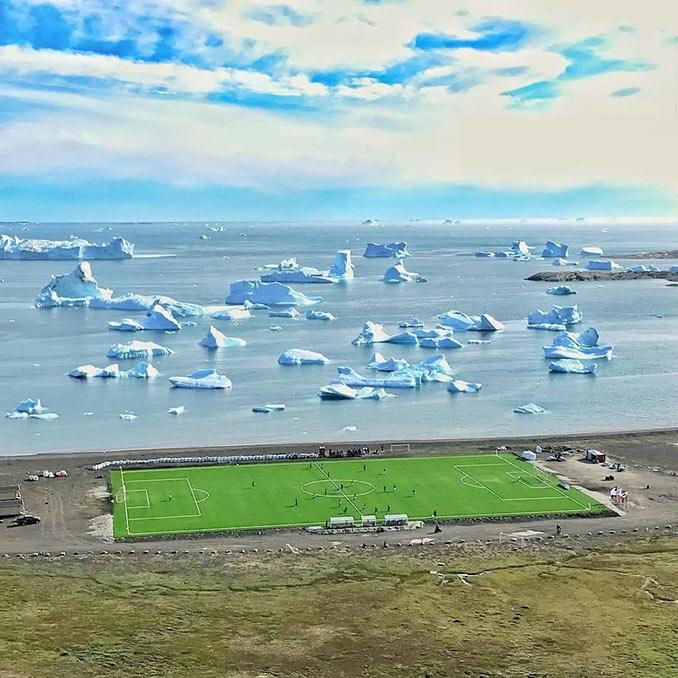 Γήπεδο ποδοσφαίρου στη Γροιλανδία | Φωτογραφία της ημέρας