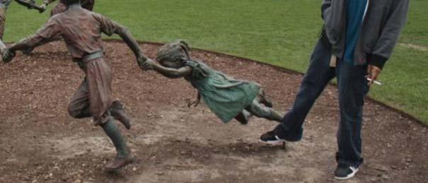 Ποζάροντας με αγάλματα #39 (4)