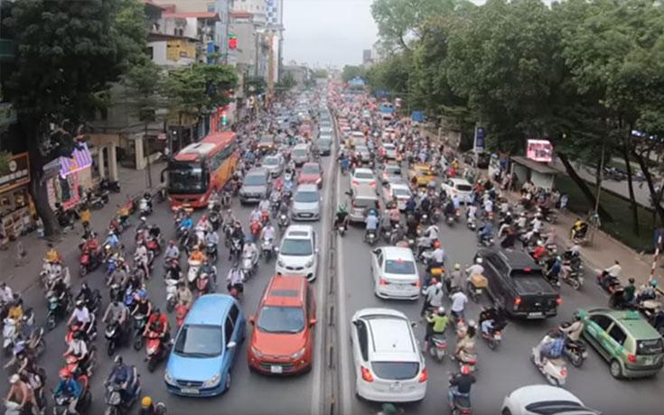 Μια συνηθισμένη μέρα στους δρόμους του Ανόι (Video)